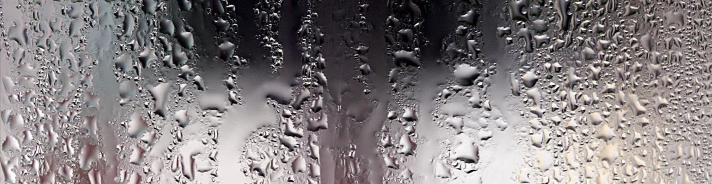 Почему потеют пластиковые окна дома зимой?